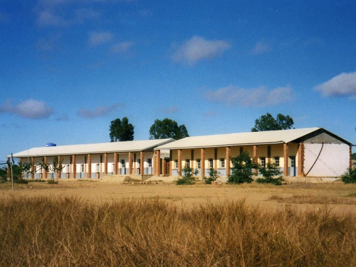 0 2012 Ecole de Sakalalina avant les travaux 1