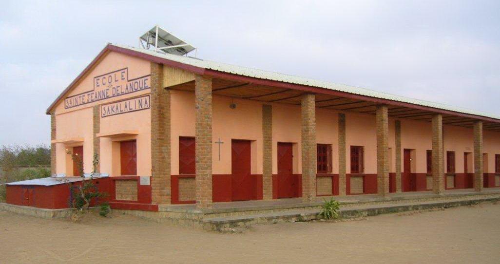 0 2013 Ecole de Sakalalina après les travaux 1