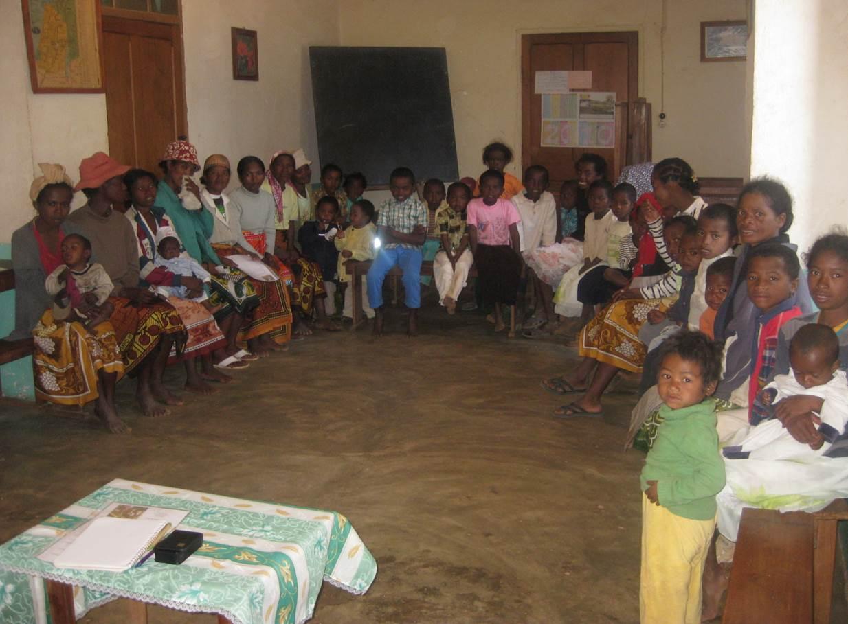 2012 Groupe de femmes seules - Aide à la malnutrition à AMBOSITRA