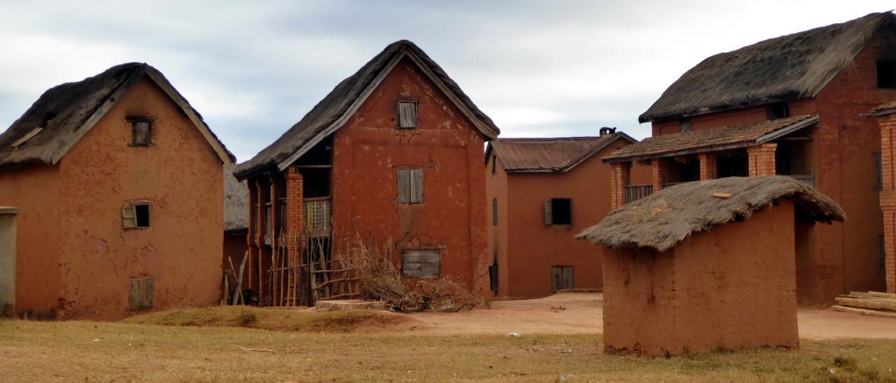 2015 Ambohimahazo