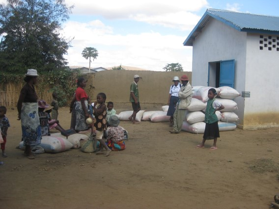 38 2011 Grenier à riz financé par l'Association
