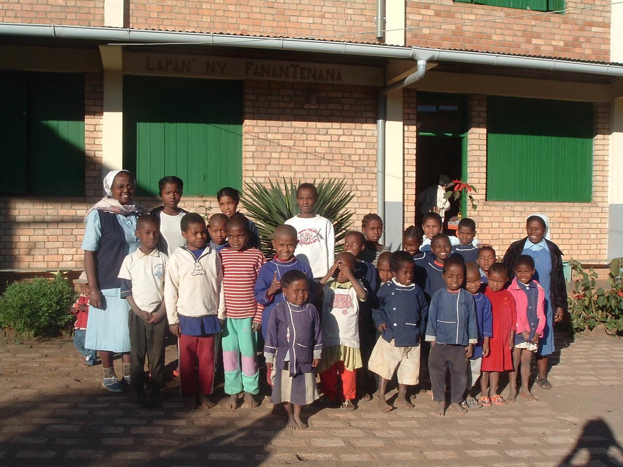 Enfants parrainés en individuel à AMBOHIMAHAZO