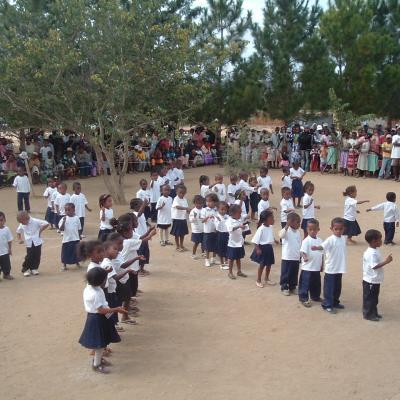 Ecole de SAKALALINA