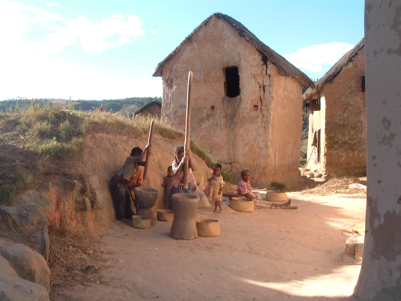 Village le long de la route