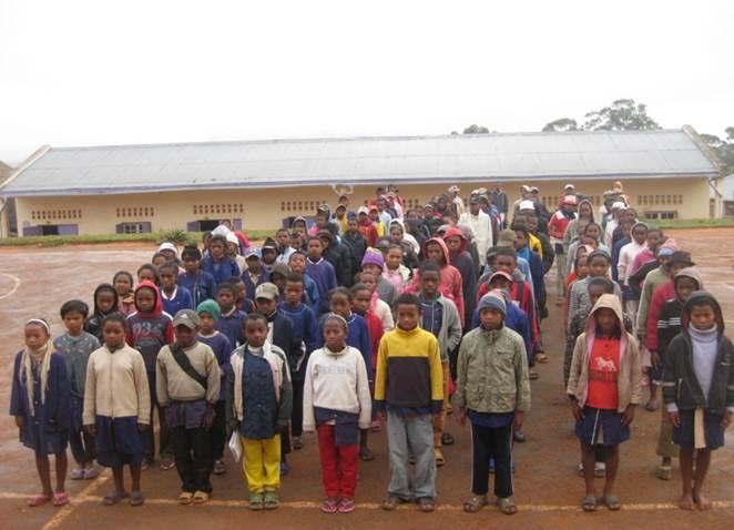 Parrainage collectif  école d'AMBOHIMAHAZO - Collège